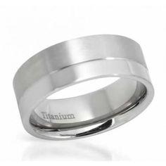 Titanium Ring  Size 9  Superb gentlemens band ring beautifully designed in titanium. Total item weight 4.2g. Size 9.