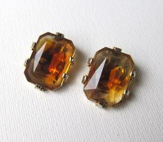 Vintage retro amber glass baguette earrings - I love this color.