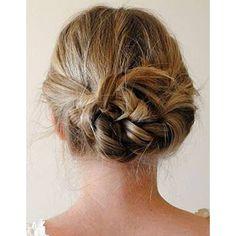 Coiffure facile cheveux courts