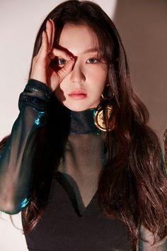 Resultado de imagem para irene red velvet peek a boo Red Velvet アイリン, Wendy Red Velvet, Red Velvet Irene, Velvet Style, Seulgi, Kpop Girl Groups, Kpop Girls, Red Velvet Photoshoot, Oppa Gangnam Style