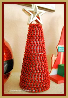 Mess For Less: 15 Minute Craft - Beaded Garland Christmas Tree