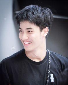 Thai Drama, Actors, Boys, Face, Smile, Sun, Baby Boys, Children, Actor