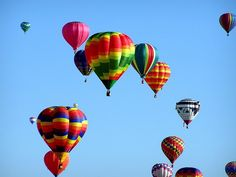 Enjoy a hot air balloon ride year round with operators like Middle Tennessee Hot Air Adventures, Dream Flights USA and Aerostation Limited Hot Air Balloon Rides. #GroveLiving