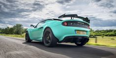13 Awesome Cars That Borrowed Their Engines From Boring Ones – En Güncel Araba Resimleri Auto Body Collision Repair, Lotus Elise, Carros Premium, Go Car, First Drive, Amazing Cars, Awesome, Car Painting, Car Shop