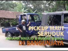 PRAY FOR BANGUNJAYA SUBANG, PICKUP SERUDUK RUMAH WARGA