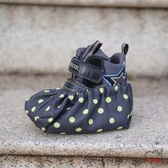 Návleky na boty vel. 22-28 šedá zelený puntík / od Sufik   Fler.cz Baby Shoes, Fashion, Moda, Fashion Styles, Baby Boy Shoes, Fashion Illustrations, Crib Shoes
