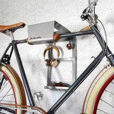 URBAN ZWEIRAD   ARTIVELO Fahrrad Wandhalterung BikeDock Urban mit extra Ablageflächen shop Wandhalterungen