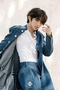 Justin de Dios Korean Entertainment Companies, Justin Photos, Justin Long, Handsome Korean Actors, Pop Idol, Pop Group, Creative Director, Cute Wallpapers, Rapper