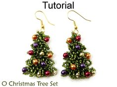Jewelry Making Earrings Christmas Beading Tutorials and Patterns - Beaded Earrings Necklace - Holiday Jewelry - Simple Bead Patterns - O Christmas Tree Tutorial Colar, Necklace Tutorial, Beads Tutorial, Christmas Tree Earrings, Beaded Christmas Ornaments, Beaded Jewelry Patterns, Beading Patterns, Beading Jewelry, Opal Jewelry