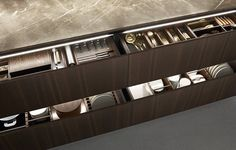 LACQUERED KITCHEN WITH HANDLES MY PLANET BY VARENNA POLIFORM