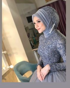 I leave a sweet bride here. Muslim Wedding Gown, Muslimah Wedding Dress, Hijab Style Dress, Muslim Wedding Dresses, Bridal Dresses, Hajib Fashion, Modern Hijab Fashion, Islamic Fashion, Fashion Outfits