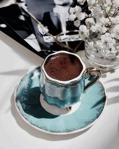 Coffee Plant Problems - - - Keto Coffee At Starbucks - - Starbucks Coffee Draw Coffee Cafe, My Coffee, Coffee Drinks, Espresso Coffee, Starbucks Coffee, Black Coffee, Coffee Break, Tea Sandwiches, Momento Cafe