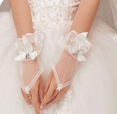 2014 Hot sales cheaper bride wedding gloves short design mitring white married gloves gauze gloves US $2.99