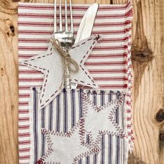 DIY Ticking Patriotic Napkins Fabric Glue, Fabric Strips, Used Baby Clothes, Small Urns, Ticking Fabric, Floral Pins, Wooden Stars, Floral Garland, How To Make Diy