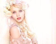Abbey Lee Kershaw Makeup: Australian Model Stars as New Face of Jill Stuart Beauty Ad Campaign [PHOTO] Abbey Lee Kershaw, Beauty Ad, Beauty Trends, Makeup Trends, Bridal Flowers, Flowers In Hair, Blonde Fashion, Fresh Makeup, Australian Models