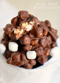 Rocky Road Peanut Clusters are made in the microwave and use only FIVE ingredients. A simple, delicious, easy candy recipe that everyone will enjoy! I go totally nuts for all things Rocky Road – ice c Holiday Candy, Holiday Desserts, Holiday Baking, Holiday Recipes, Easy Candy Recipes, Sweet Recipes, Dessert Recipes, Fudge Recipes, Chocolates