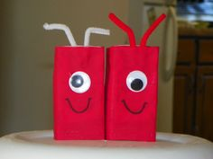 Juice boxes for Valentines Party at school. I loved these for school this year~ Valentine Day Love, Valentines Day Party, Valentine Day Crafts, Funny Valentine, Holiday Crafts, Valentine Ideas, School Gifts, School Parties, Party Ideas