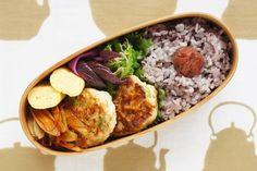 ・黒米ご飯 ・枝豆つくね ・玉子焼き ・きんぴらごぼう ・ゴーヤのしらす炒め ・しば漬け