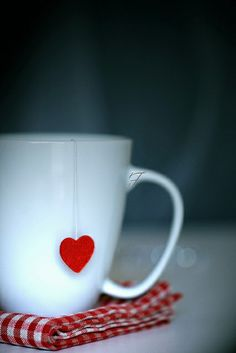 beautiful, photography, blanco, romantic, cool, heart, lovely, corazon, cup, red, white, cute, tea, deco, te, delicate, mug, romance, home, style, tea cup, kitchen, nice, Lucy, rojo, sweet, taza