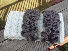 Migrating to Simplicity: crochet earwarmer with ruffles...with pattern - add the ruffles to the top of a boot cuff pattern and/or mittens for a cute set!!