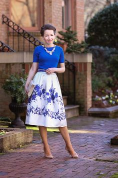 vintage vibes, chicwish blue rose pleated midi skirt, ann taylor boatneck top, red reticule necklace, sole society pumps, http://redreticule.com