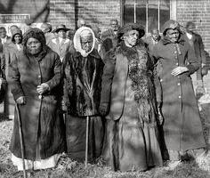 Convention of former slaves: Annie Parram, age 104; Anna Angales, age 105; Elizabeth Berkeley, 125; Sadie Thompson, 110. Washington, D.C., 1916.