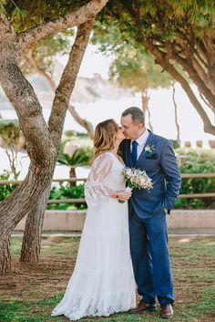 Dreamy wedding with romantic details Romantic Weddings, Real Weddings, Greece Wedding, Wedding Day, Wedding Dresses, Inspiration, Beautiful, Fashion, Pi Day Wedding