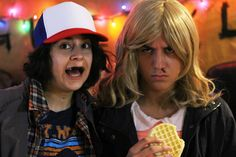 DIY costume tutorial for Eleven and Dustin (aka Toothless) from Netflix's hit show, Stranger Things. We're both obsessed with the show and anxious to hear ab. Stranger Things Theories, Stranger Things Monster, Stranger Things Upside Down, Stranger Things Quote, Stranger Things Aesthetic, Dustin Stranger Things Costume, Stranger Things Halloween Costume, 80s Costume, Diy Costumes