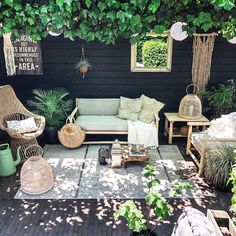 Create a Garden Wall to Accent that Outdoor Living Space Organic gardening is great for the environment and you want to make sure that you are taking full advantage of it. Use the tips and tricks that we have provided for you, in ord Outdoor Rooms, Outdoor Living, Outdoor Furniture Sets, Furniture Ideas, Ikea Furniture, Garden Furniture, Furniture Design, Rustic Outdoor Decor, Garden Design