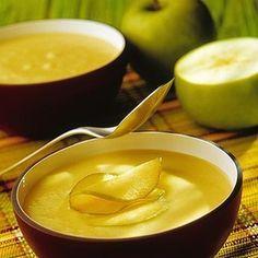 Esta es la receta originaria, yo utilizo manzanas reinetas asturianas, de pueblo, cuando puedo ;) y queda más sabrosa. Se puede servir en copas anchas como entrante, pero tambié...