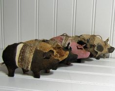 Little Pig Ornaments, Hanging Ornament Set, Primitive Pigs, Spotted Pigs, Black Pigs, Pig Ornies on Etsy, $24.00
