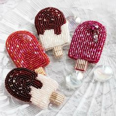 beads accessory so cute♡Ice-cream brooches, cool Bead Embroidery Jewelry, Beaded Embroidery, Hand Embroidery, Bead Jewellery, Beaded Jewelry, Bead Crafts, Jewelry Crafts, Lesage, Beaded Animals