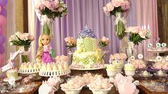 rapunzel cake stands   Rapunzel – Princesa Enrolada Rapunzel Tangled Movie, Birthday Stuff, Table Decorations, Cakes, Home Decor, Tangled, Embellishments, Pie Cake, Little Girls