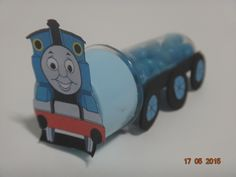 Tubete decorado de Trem Thomas. * as balinhas não acompanham o produto