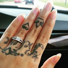 Love Samantha's new princess diamond and split shank engagement ring! <3