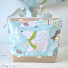 DIY polar bear wash bag sewing tutorial