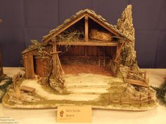 Click to Close Christmas Crib Ideas, Church Christmas Decorations, Christmas Crafts To Make, Christmas Clay, Christmas Nativity Scene, Christmas Pictures, Nativity Stable, Diy Nativity, Crib Decoration