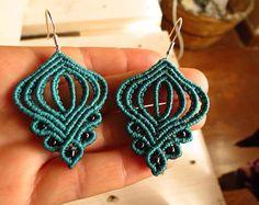 Macramé style celtique boucles d'oreilles, turquoise. Boucles d'oreilles de macramé, style celtique