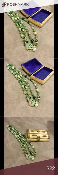 Vintage necklace and vintage jewelry box Necklace and jewelry box Jewelry Necklaces