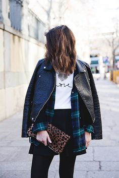 Leopard_Clutch-Clare_Vivier-Mixing_Prints-Outfit-Street_Style-4 by collagevintageblog, via Flickr