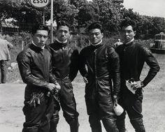 PRL Honda Riders The Isle of Man TT) (from left) Junzo Suzuki, Naomi Taniguchi, Giichi Suzuki, Teisuke Tanaka Cb550, Café Racers, Isle Of Man, All Brands, Motogp, Vintage Men, Honda, Racing, Motorcycle