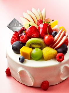 30 Decorating Cake With Fruit - Cake Design Ideas Cake Decorating Frosting, Easy Cake Decorating, Pretty Cakes, Cute Cakes, Fruit Cake Design, 30 Cake, Bakery Packaging, Peanut Butter Desserts, Cakes And More