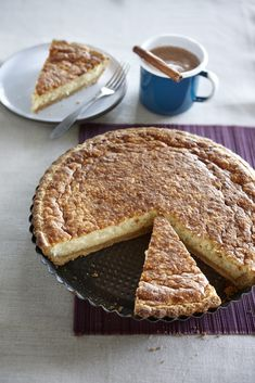 Sweet Rice Cake with Biscoff crust Dutch Recipes, Baking Recipes, Sweet Recipes, Cake Recipes, Dessert Recipes, Just Desserts, Delicious Desserts, Yummy Food, Delish Cakes