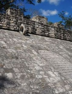 The old-school basketball court in the Mayan ruins at Coba, Mexico. When I went on a tour there, this was a very serious game to them. Aztec Ruins, Mayan Ruins, Ancient Ruins, Coba Mexico, Cozumel Mexico, Ancient Greek Architecture, Gothic Architecture, Palace London, London City