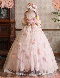 Old Fashion Dresses, Old Dresses, Pretty Dresses, Beautiful Dresses, Mode Lolita, Fantasy Gowns, Fairytale Dress, Royal Dresses, Vintage Gowns