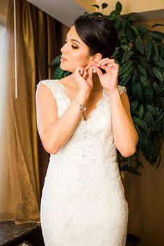 Sahili and Joseph Rosen Plaza Wedding PhotographyOrlando Wedding Photographers   Lotus Eyes Photography