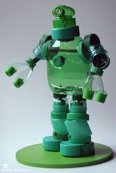 Plastic Bottle Caps, Bottle Cap Art, Bottle Cap Crafts, Plastic Art, Bottle Top, Pet Bottle, Recycle Plastic Bottles, Water Bottle Crafts, Recycled Robot