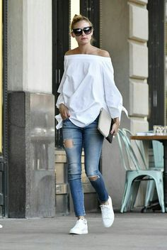 Olivia Palermo out in Brooklyn # Casual Outfits tenis olivia palermo Olivia Palermo Lookbook, Olivia Palermo Style, Looks Style, Casual Looks, Look Fashion, Womens Fashion, Fashion Trends, Fashion Outfits, Fashion Weeks