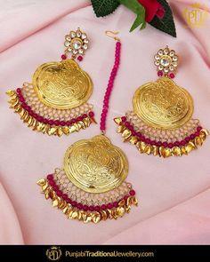 How To Clean Gold Jewelry With Baking Soda Tikka Jewelry, Indian Jewelry Earrings, Fancy Jewellery, Indian Wedding Jewelry, Jewelry Design Earrings, Gold Earrings Designs, Gold Jewelry, India Jewelry, Bridal Jewelry
