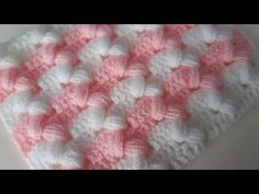 Cross Pistachio Baby Blanket & Crochet Two Color Baby Blanket Models Crochet Stitches Patterns, Baby Knitting Patterns, Stitch Patterns, Baby Afghan Crochet, Crochet Motif, Crochet Cross, Crochet Videos, Grafik Design, Exterior Doors